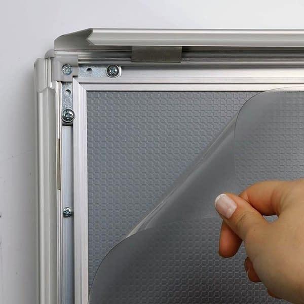 snap frames with safe corner